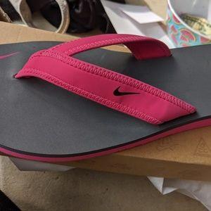 Nike Shoes - Women's Nike Pink & Grey Thong Sandals 9M NWT